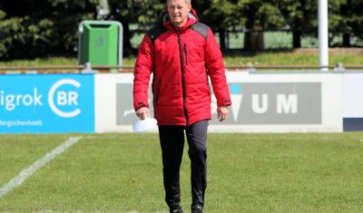 Boris van Es nog een seizoen hoofdtrainer van CVC Reeuwijk