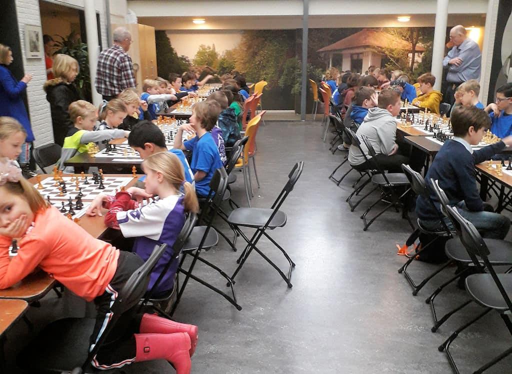 Verhoeff-Rollmanschool wint schoolschaaktoernooi