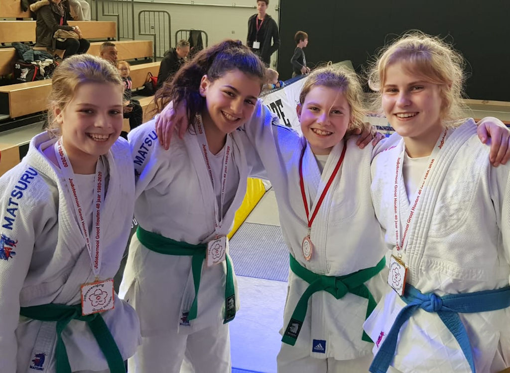 Judoka's Goederaad in de prijzen in Houten