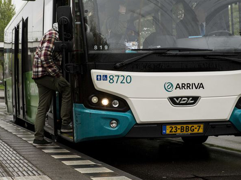 Arriva voorziet bussen van kuchschermen in Zuid-Holland Noord