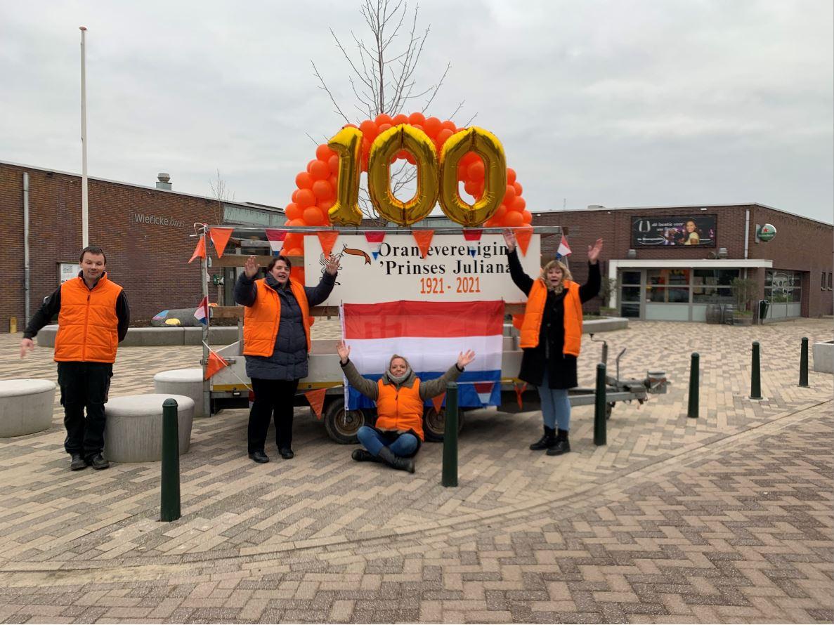 Fototentoonstelling 100-jarige Oranjevereniging zaterdag geopend