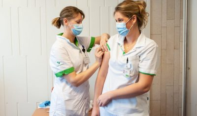Vaccinatie huisartsen gestart