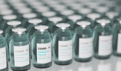 """GGD: Vragen over corona-vaccinatie, """"neem eerst contact op met uw huisarts"""""""