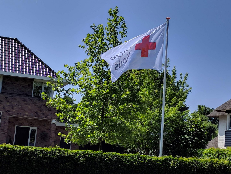 Rode Kruis zamelt kleding in voor vluchtelingen